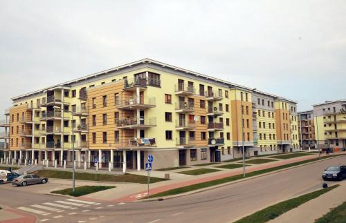 Kąt Development - kompleks budynków mieszkalno-usługowych przy ul. Tuwima w Ełku - kompletna instalacja elektryczna wewnętrzna i zewnętrzna